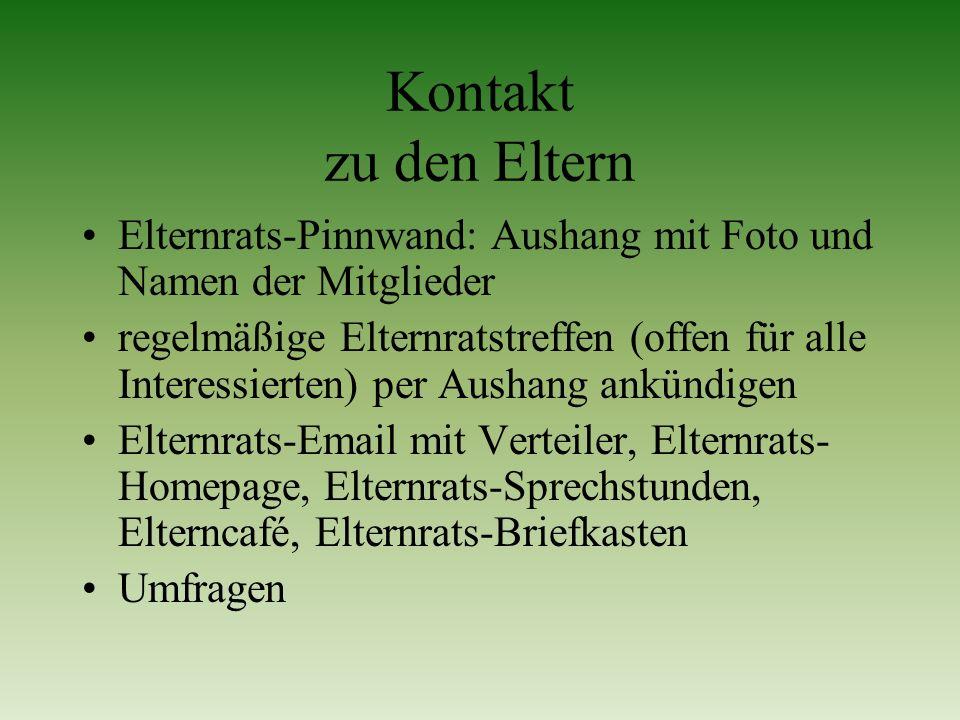 Kontakt zu den Eltern Elternrats-Pinnwand: Aushang mit Foto und Namen der Mitglieder.
