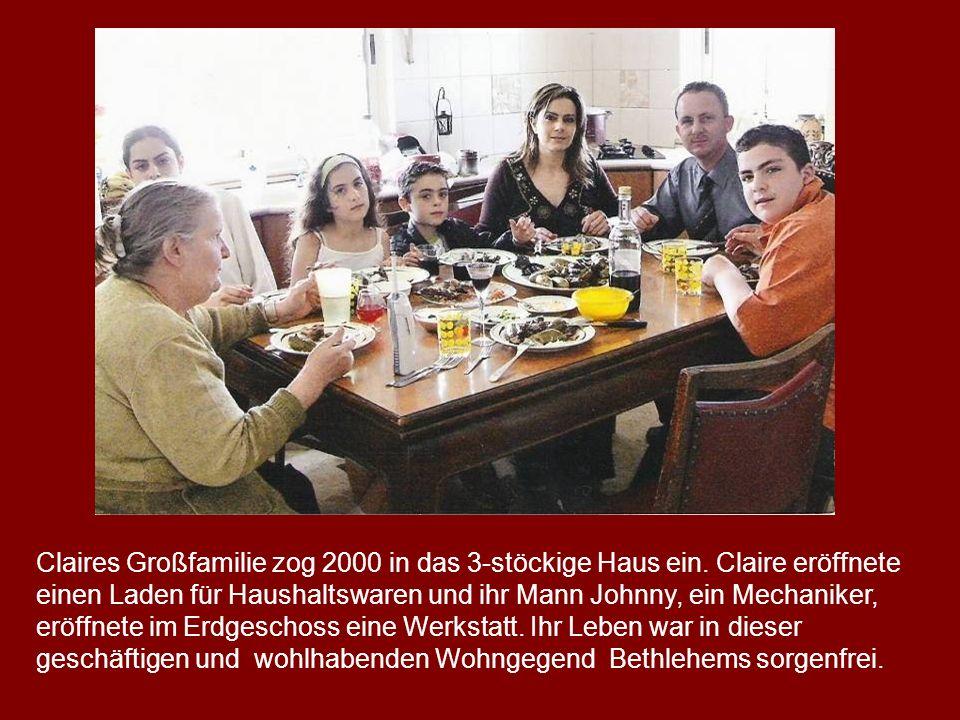 Claires Großfamilie zog 2000 in das 3-stöckige Haus ein