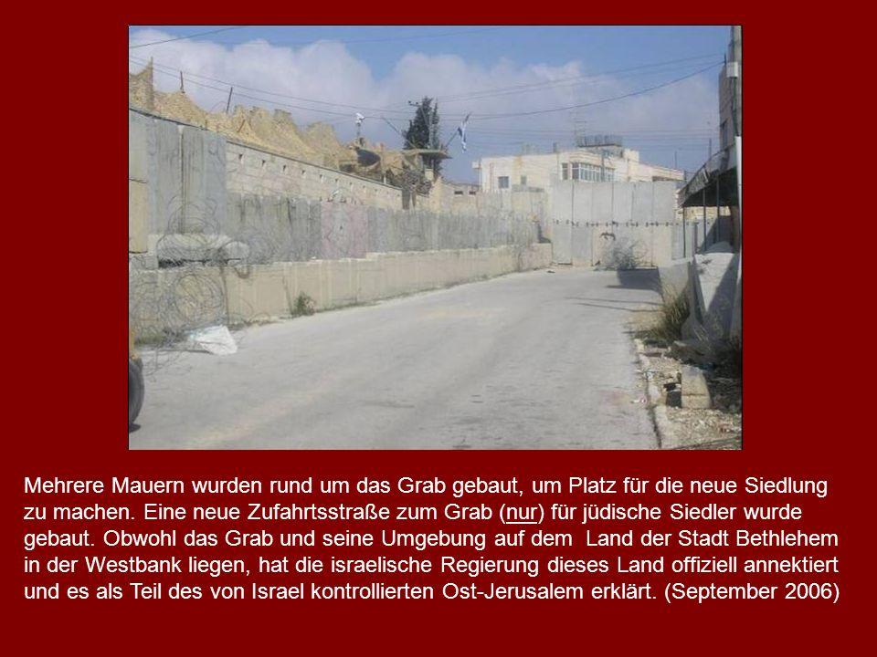 Mehrere Mauern wurden rund um das Grab gebaut, um Platz für die neue Siedlung zu machen.