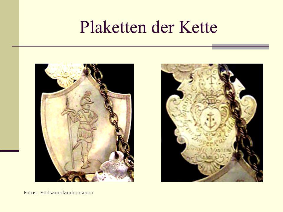 Plaketten der Kette Fotos: Südsauerlandmuseum