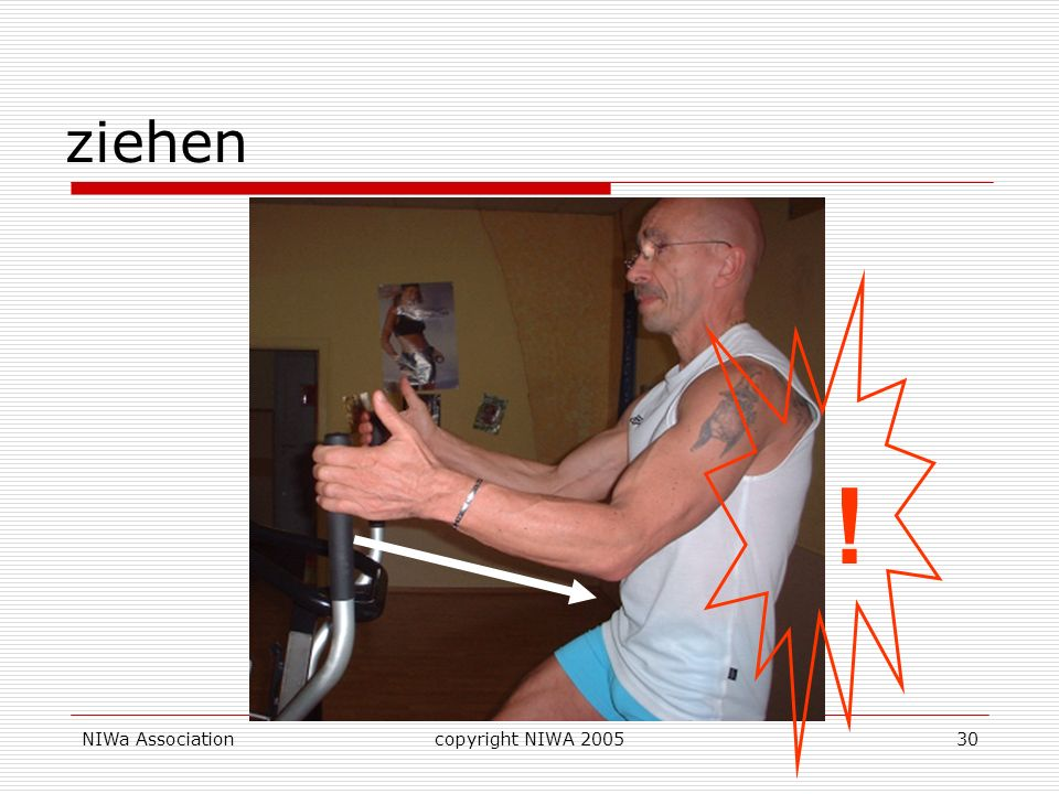 ziehen! Zurücklehnen mit geraden Rücken schult diesen Bewegungsteil und läßt optimal Arme und Rücken mitarbeiten.