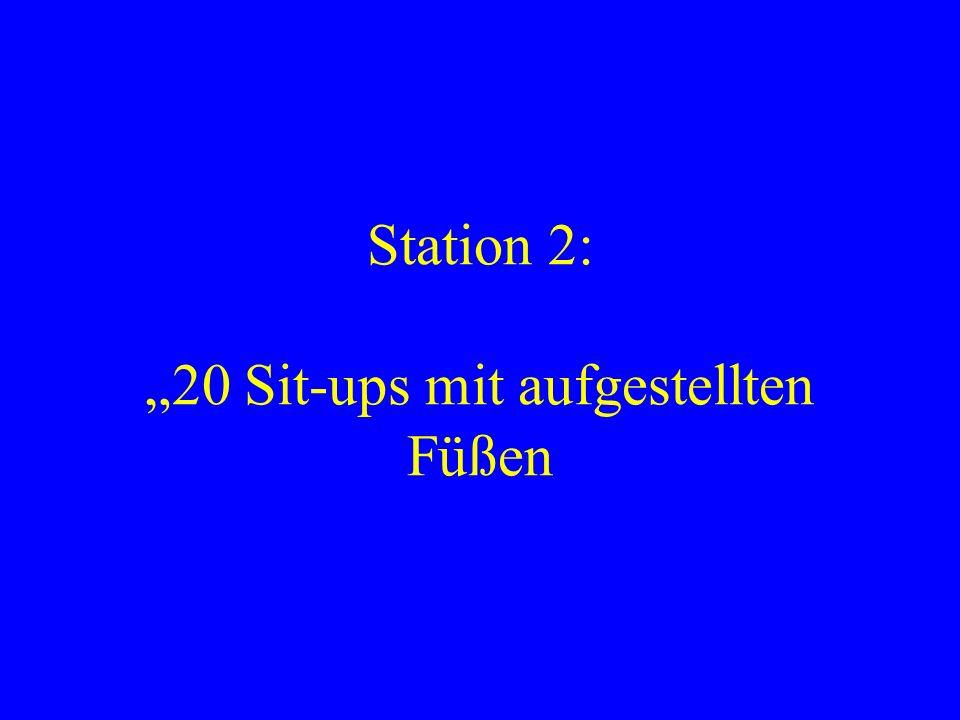 """Station 2: """"20 Sit-ups mit aufgestellten Füßen"""