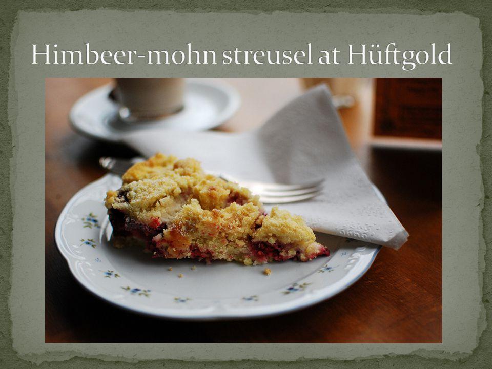 Himbeer-mohn streusel at Hüftgold