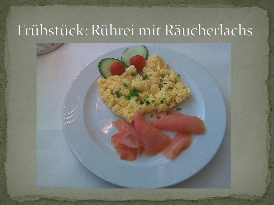 Frühstück: Rührei mit Räucherlachs
