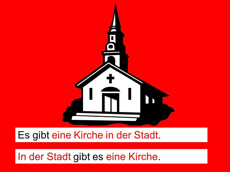 Es gibt eine Kirche in der Stadt.