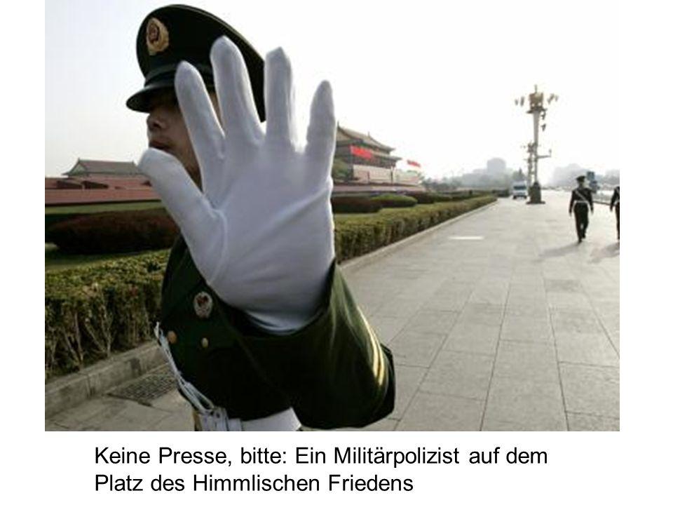 Keine Presse, bitte: Ein Militärpolizist auf dem Platz des Himmlischen Friedens
