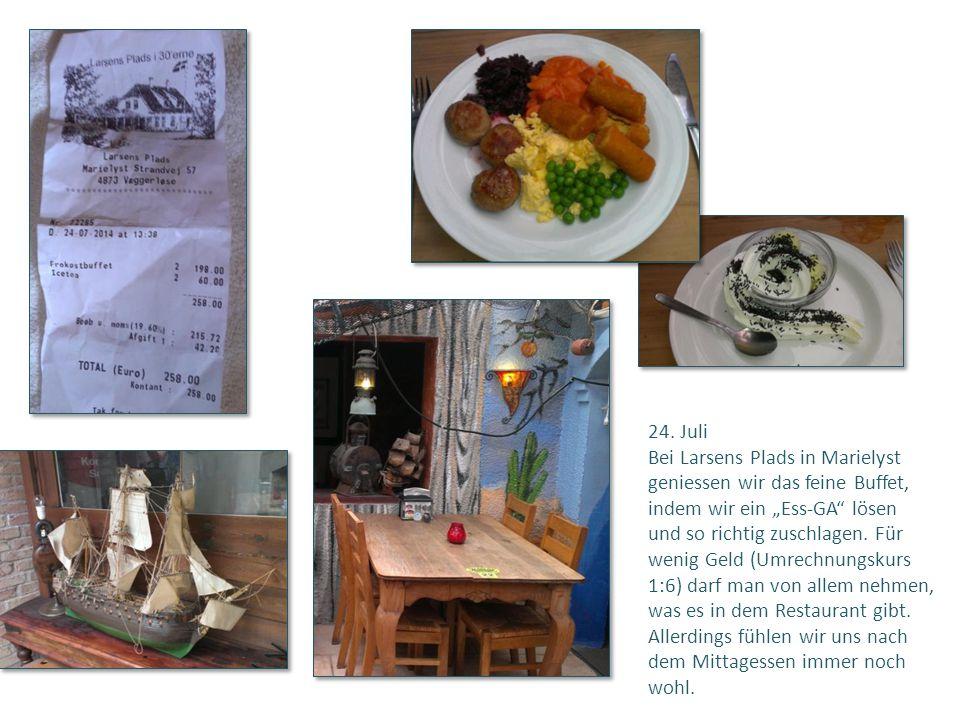 """24. Juli Bei Larsens Plads in Marielyst. geniessen wir das feine Buffet, indem wir ein """"Ess-GA lösen."""