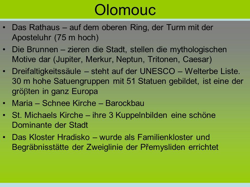 Olomouc Das Rathaus – auf dem oberen Ring, der Turm mit der Aposteluhr (75 m hoch)