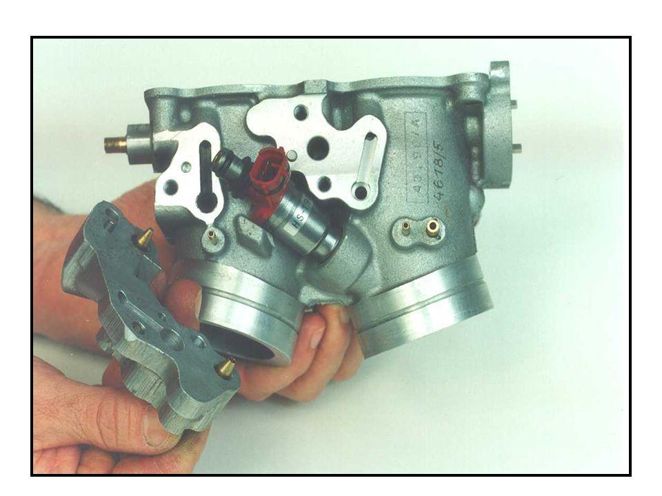 Der Einspritzdüsenhalter sorgt aufgrund der Bauform für die korrekte Positionierung der Einspritzdüse.