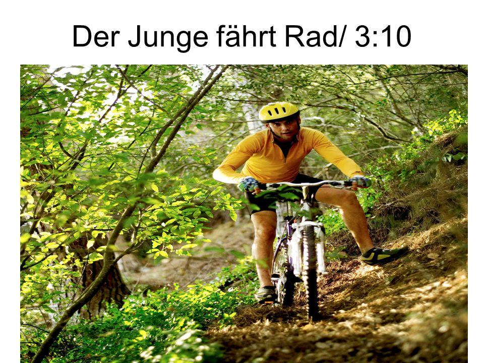 Der Junge fährt Rad/ 3:10