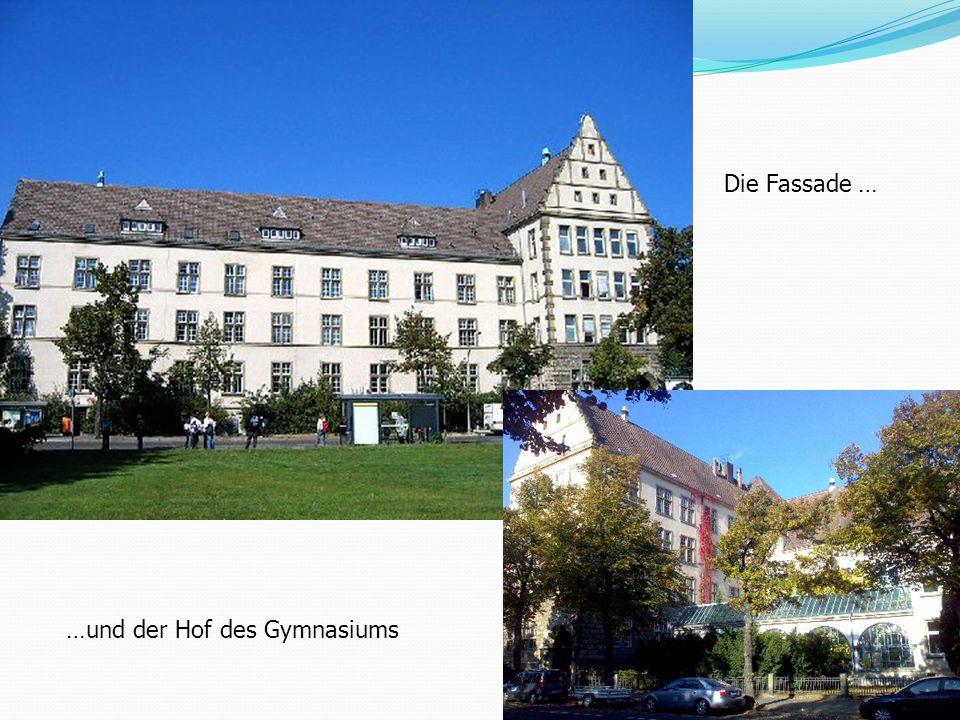 Die Fassade … …und der Hof des Gymnasiums
