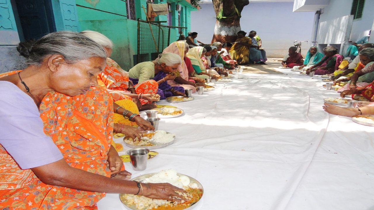 Ein Pflegeheim/Altersheim irgendwo in Indien