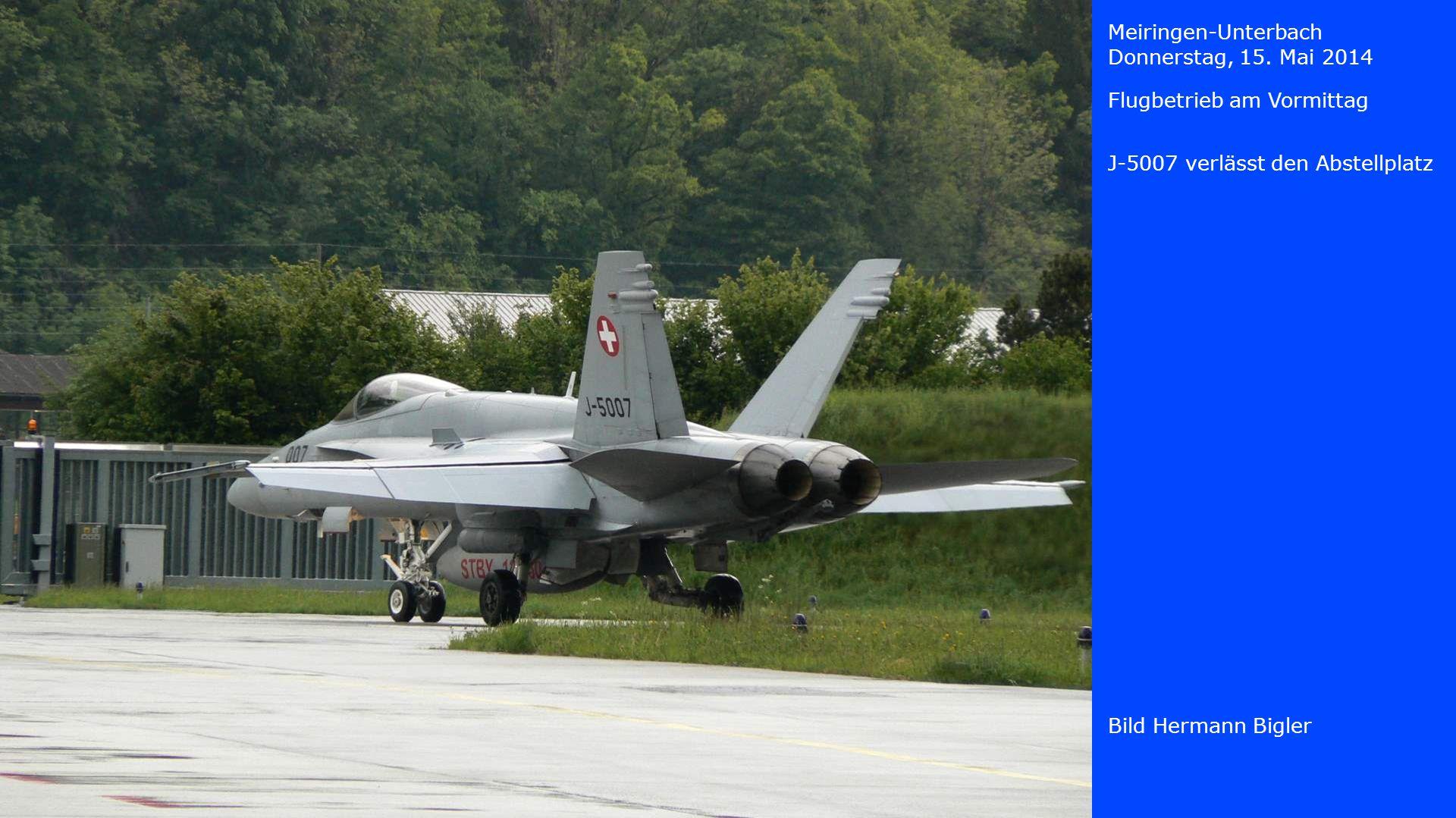 Meiringen-Unterbach Donnerstag, 15. Mai 2014. Flugbetrieb am Vormittag. J-5007 verlässt den Abstellplatz.
