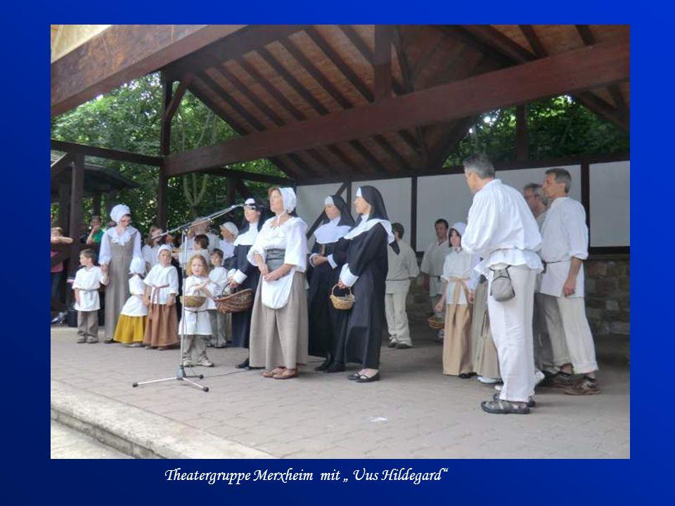 "Theatergruppe Merxheim mit "" Uus Hildegard"