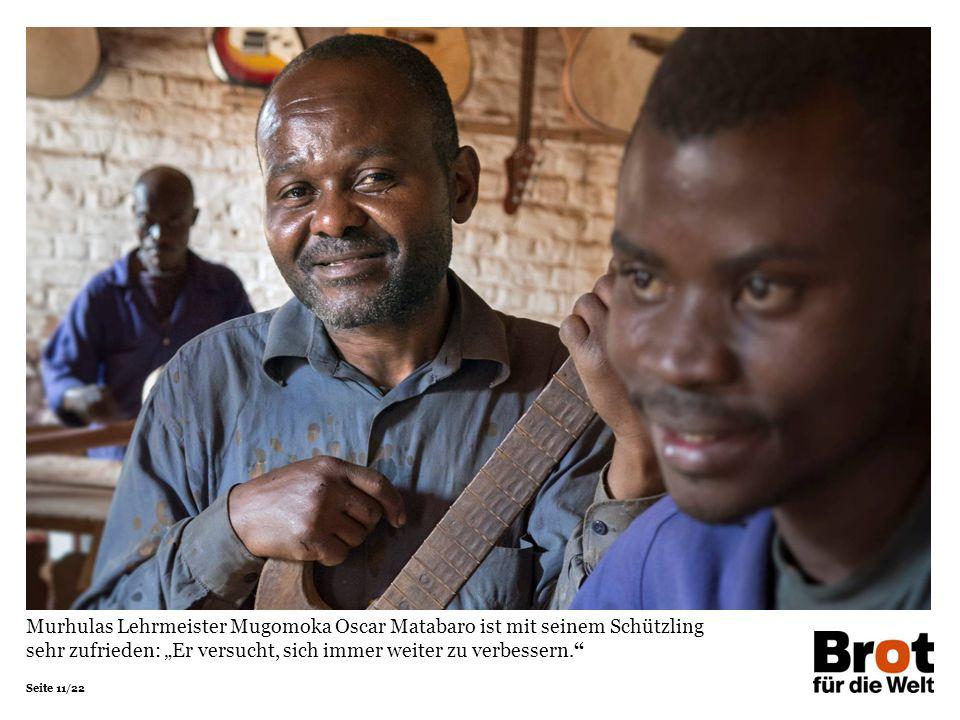 """Murhulas Lehrmeister Mugomoka Oscar Matabaro ist mit seinem Schützling sehr zufrieden: """"Er versucht, sich immer weiter zu verbessern."""