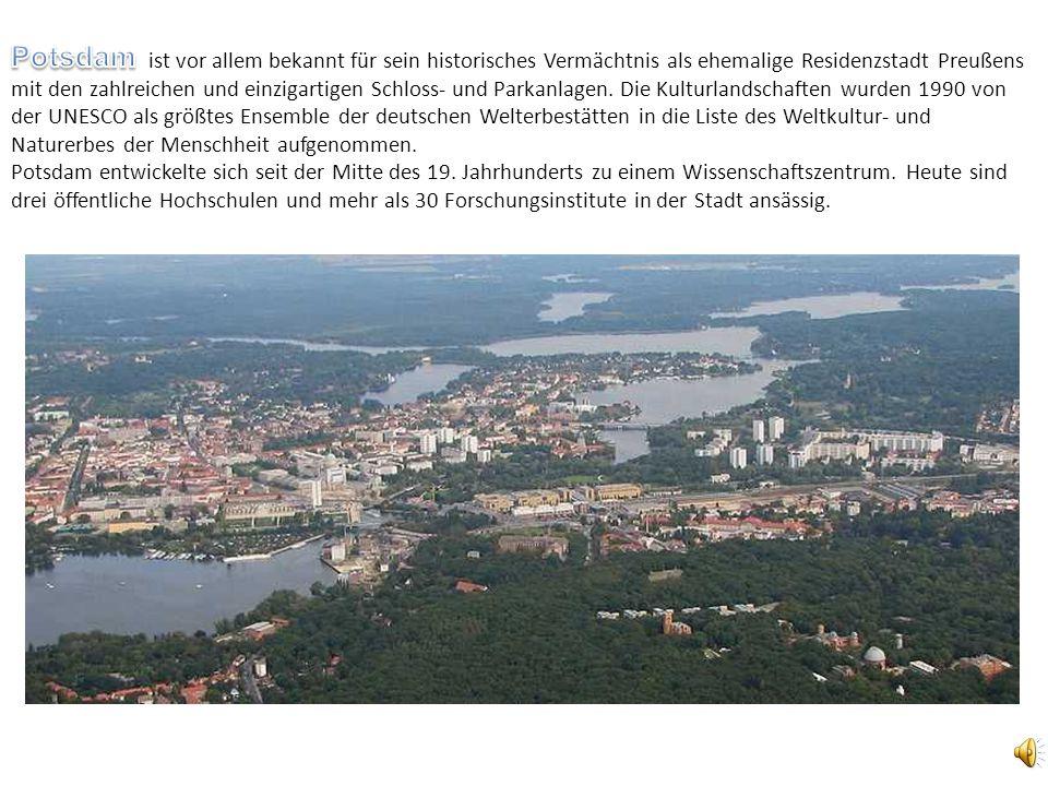 ist vor allem bekannt für sein historisches Vermächtnis als ehemalige Residenzstadt Preußens mit den zahlreichen und einzigartigen Schloss- und Parkanlagen. Die Kulturlandschaften wurden 1990 von der UNESCO als größtes Ensemble der deutschen Welterbestätten in die Liste des Weltkultur- und Naturerbes der Menschheit aufgenommen. Potsdam entwickelte sich seit der Mitte des 19. Jahrhunderts zu einem Wissenschaftszentrum. Heute sind drei öffentliche Hochschulen und mehr als 30 Forschungsinstitute in der Stadt ansässig.