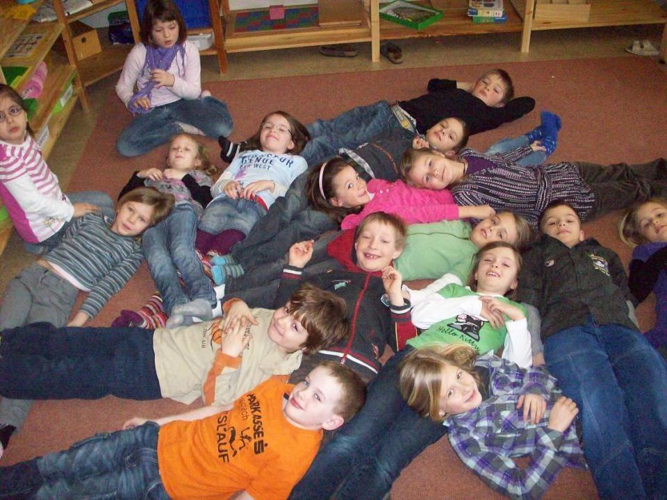 Jahrgangsmischung- insgesamt 20 Schülerinnen und Schüler: 5Integrationskinder mit ASO Lehrplan und mit S Lehrplan, alle 4 Schulstufen von der 2. bis zur 4. Keinen Abteilungsunterricht – Heterogenität als Chance zu sehen und als Lernressource zu nützen