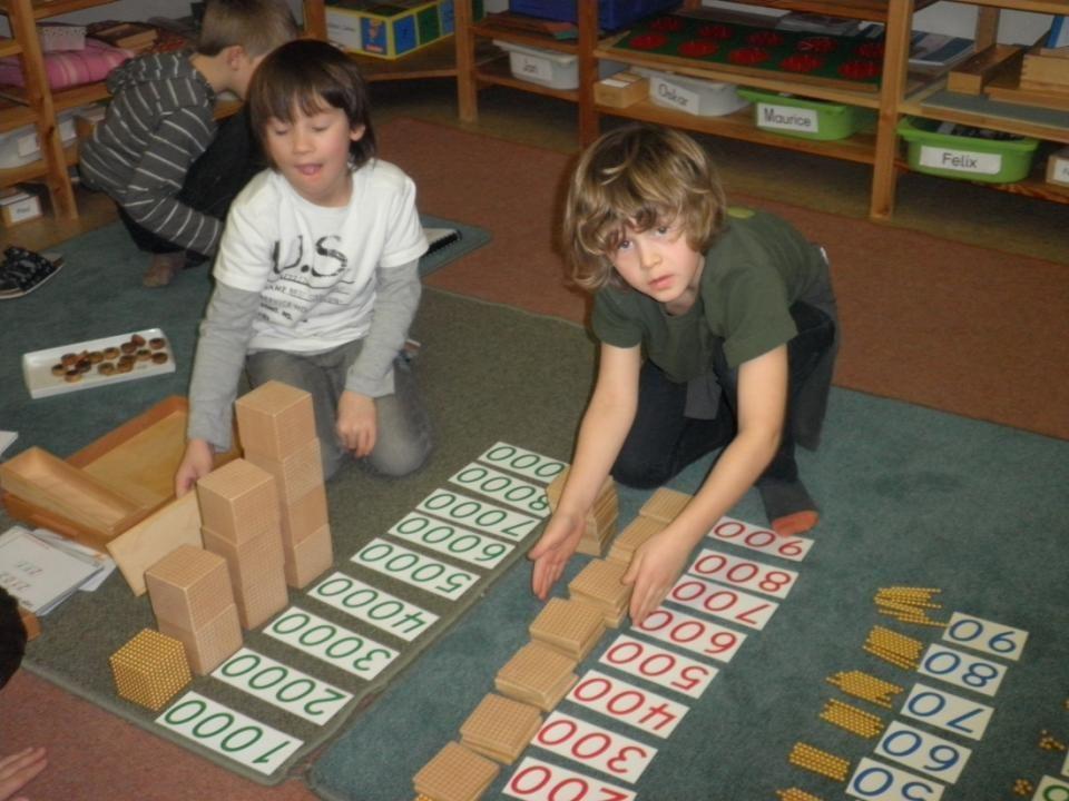 Freiarbeit nach den Prinzipien von Maria Montessori, 2 Einheiten in der Früh,
