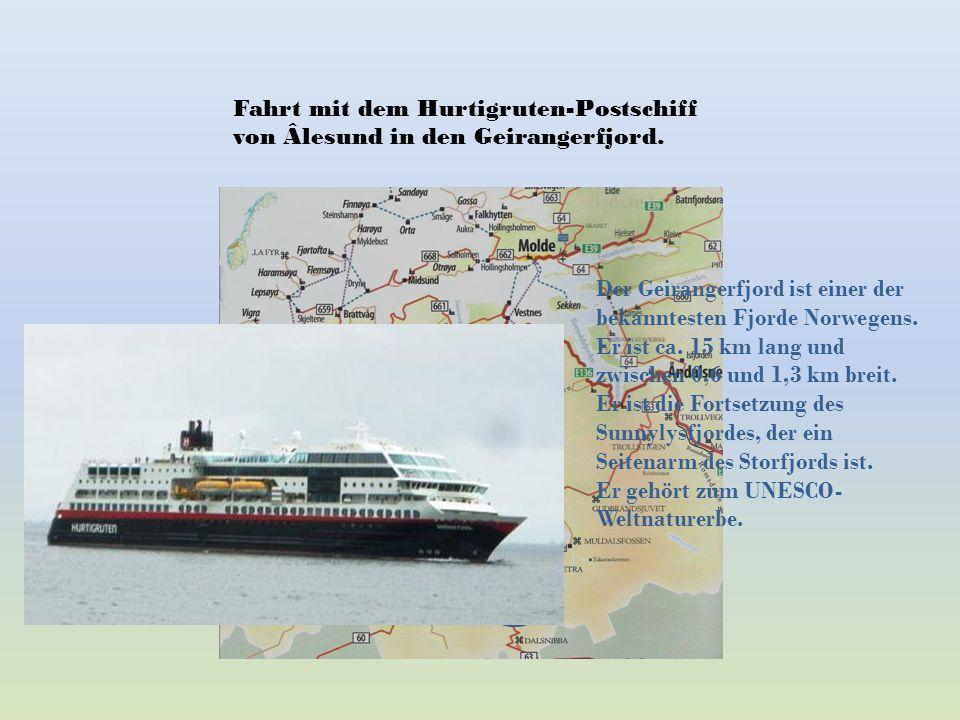 Fahrt mit dem Hurtigruten-Postschiff