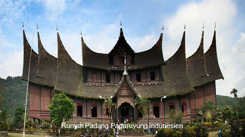 Rumah Padang Pagaruyung Indunesien