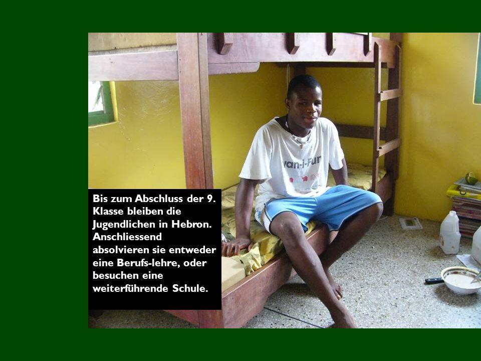 Bis zum Abschluss der 9. Klasse bleiben die Jugendlichen in Hebron