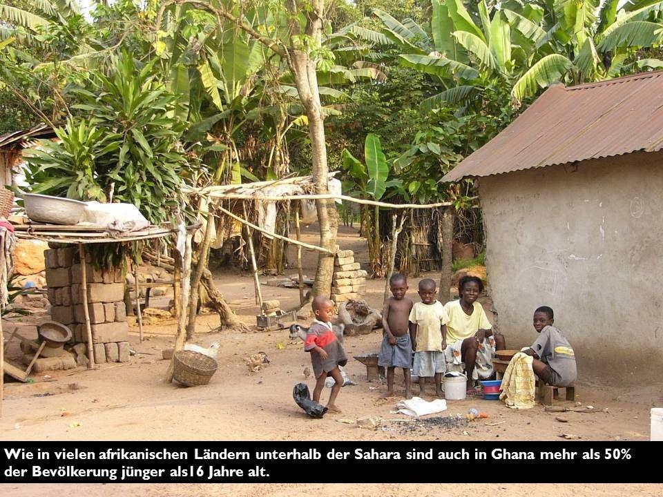 Wie in vielen afrikanischen Ländern unterhalb der Sahara sind auch in Ghana mehr als 50% der Bevölkerung jünger als16 Jahre alt.