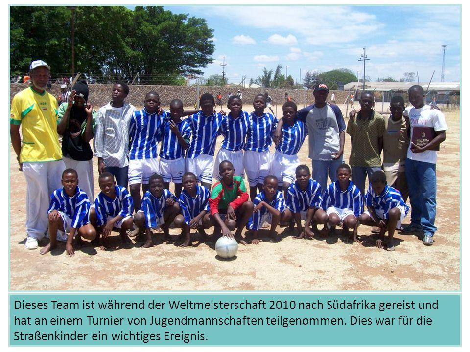 Dieses Team ist während der Weltmeisterschaft 2010 nach Südafrika gereist und hat an einem Turnier von Jugendmannschaften teilgenommen.