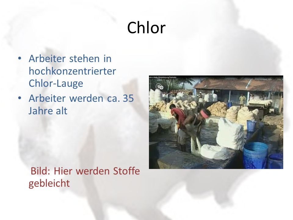 Chlor Arbeiter stehen in hochkonzentrierter Chlor-Lauge