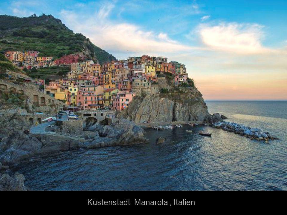 Küstenstadt Manarola , Italien