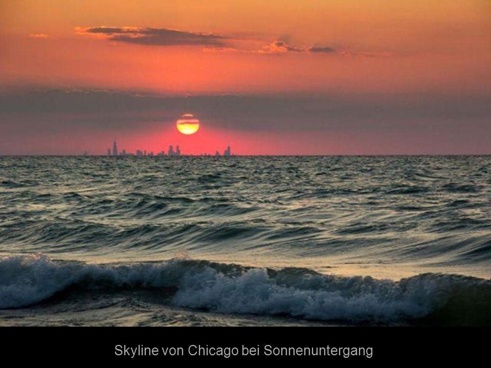 Skyline von Chicago bei Sonnenuntergang
