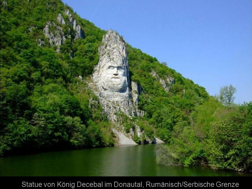 Statue von König Decebal im Donautal, Rumänisch/Serbische Grenze