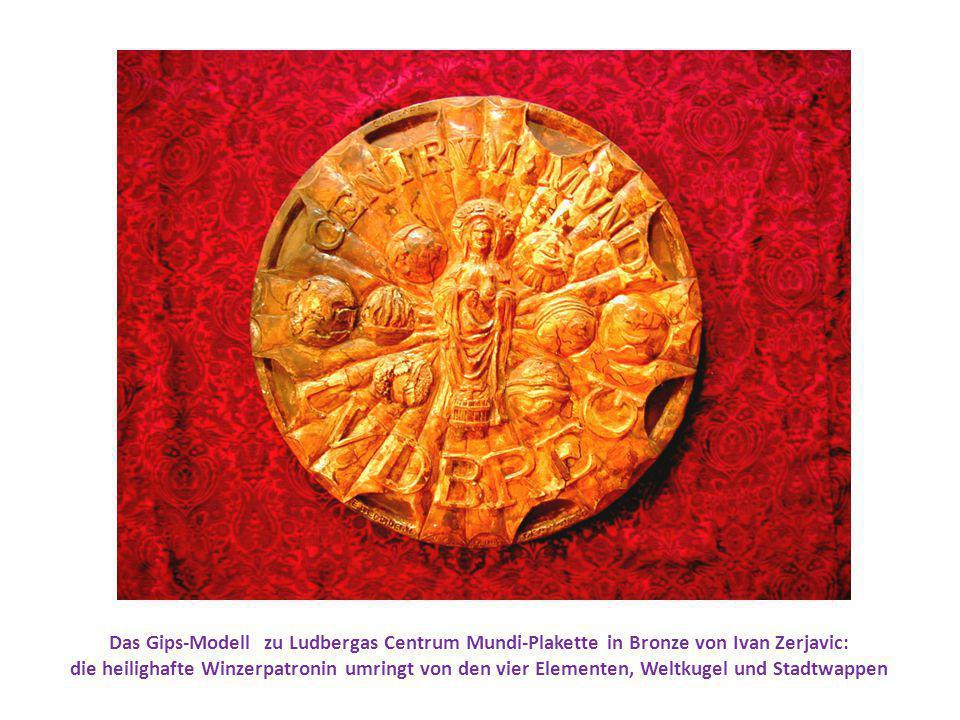 Das Gips-Modell zu Ludbergas Centrum Mundi-Plakette in Bronze von Ivan Zerjavic:
