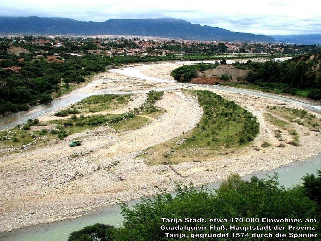 Tarija Stadt, etwa 170 000 Einwohner, am