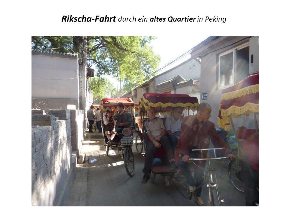 Rikscha-Fahrt durch ein altes Quartier in Peking