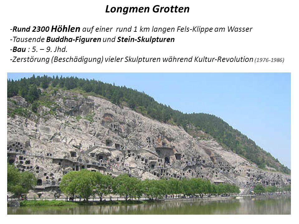 Longmen Grotten Rund 2300 Höhlen auf einer rund 1 km langen Fels-Klippe am Wasser. Tausende Buddha-Figuren und Stein-Skulpturen.