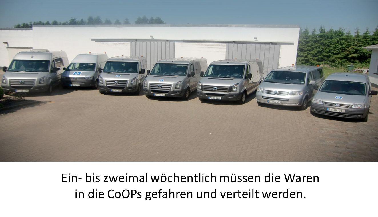 Ein- bis zweimal wöchentlich müssen die Waren in die CoOPs gefahren und verteilt werden.