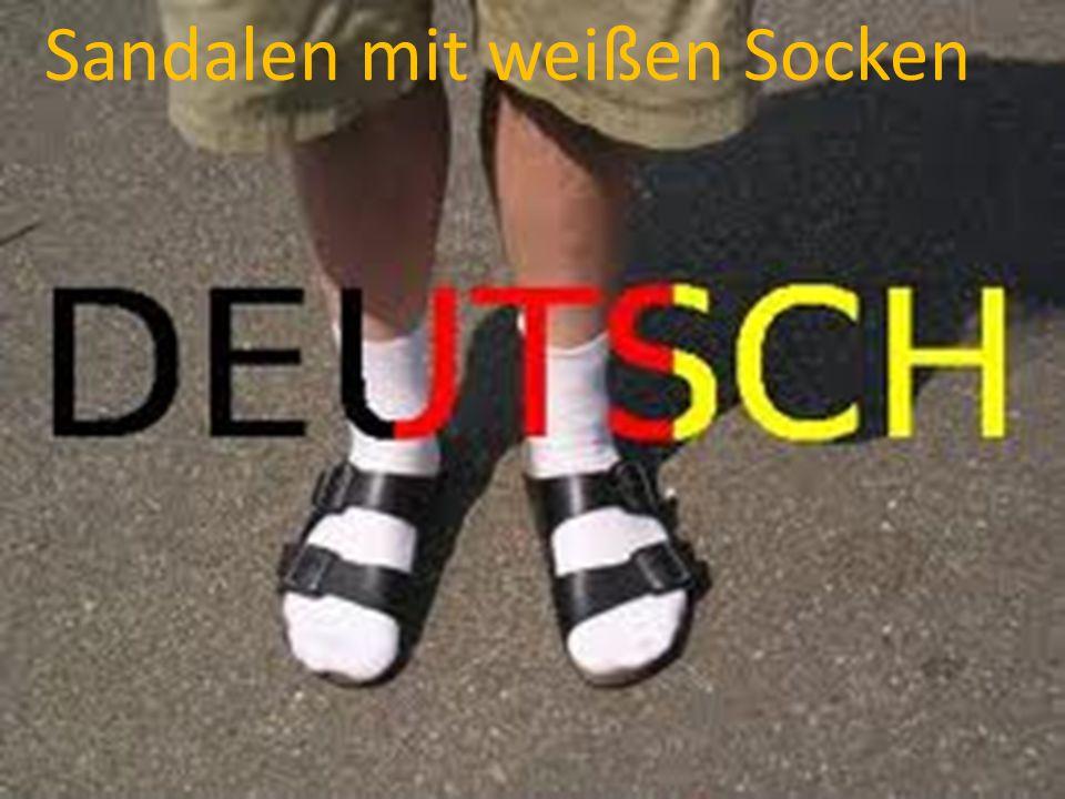 Sandalen mit weißen Socken