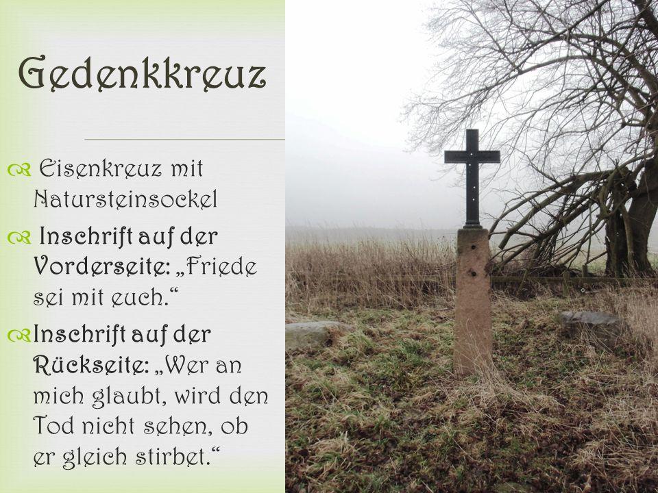 Gedenkkreuz Eisenkreuz mit Natursteinsockel