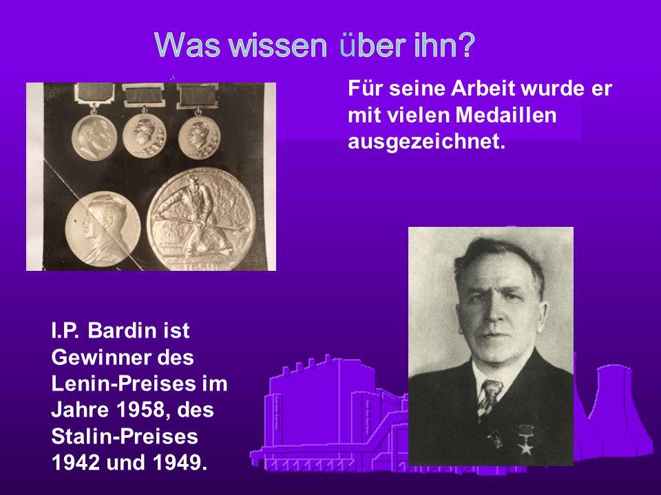 Was wissen über ihn Für seine Arbeit wurde er mit vielen Medaillen ausgezeichnet.