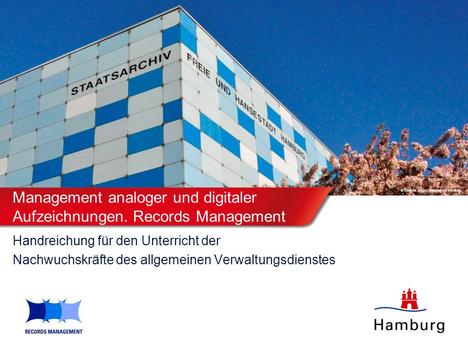 Management analoger und digitaler Aufzeichnungen. Records Management