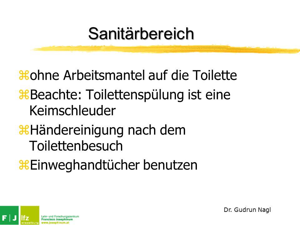 Sanitärbereich ohne Arbeitsmantel auf die Toilette
