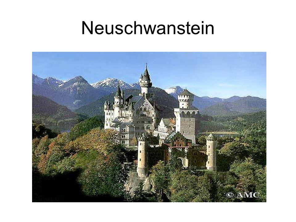 Neuschwanstein Umístění: nedaleko Füssenu, při hranici s Rakouskem.