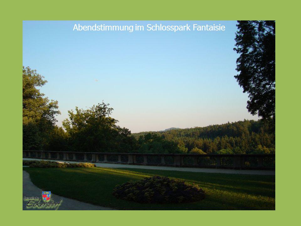 Abendstimmung im Schlosspark Fantaisie