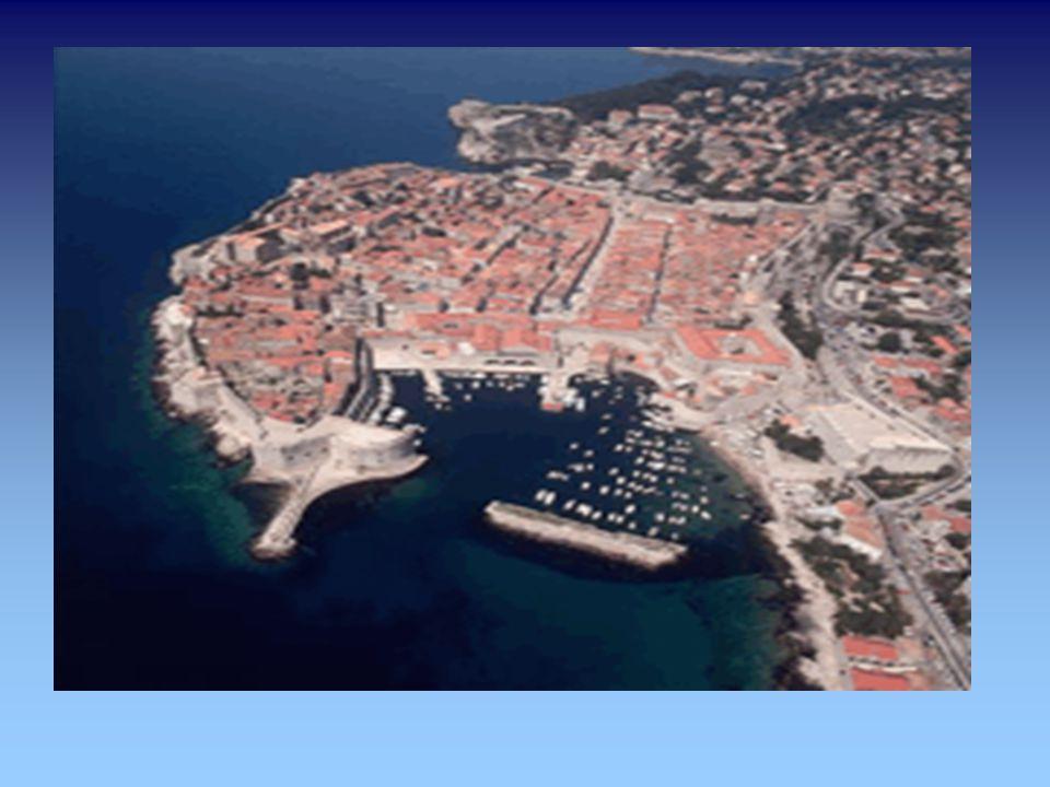 Dubrovnik lateinisch Rausium später Ragusium, italienisch und deutsch Ragusa.