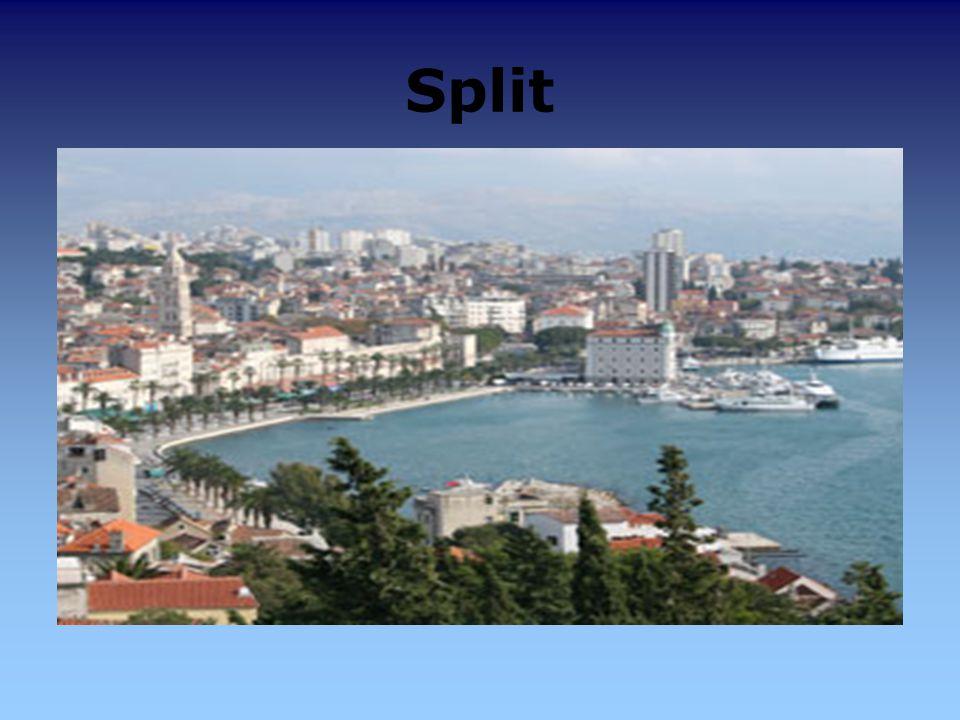 Split kroat. Split, italienisch Spalato, beides entstanden aus griechisch Aspalathos oder lateinisch Palatium Diocletiani.