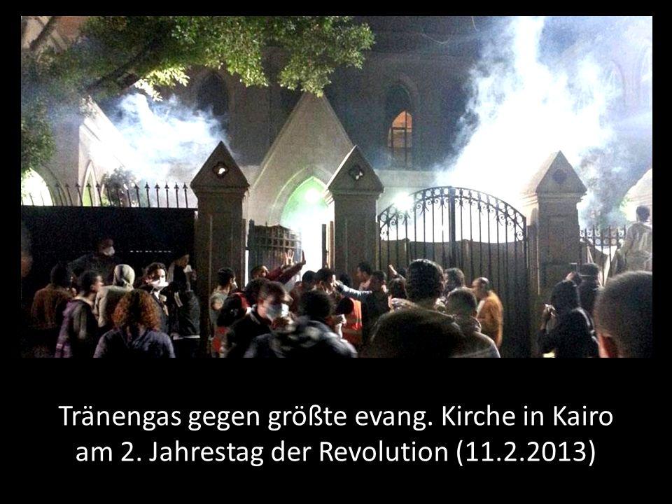 Tränengas gegen größte evang. Kirche in Kairo