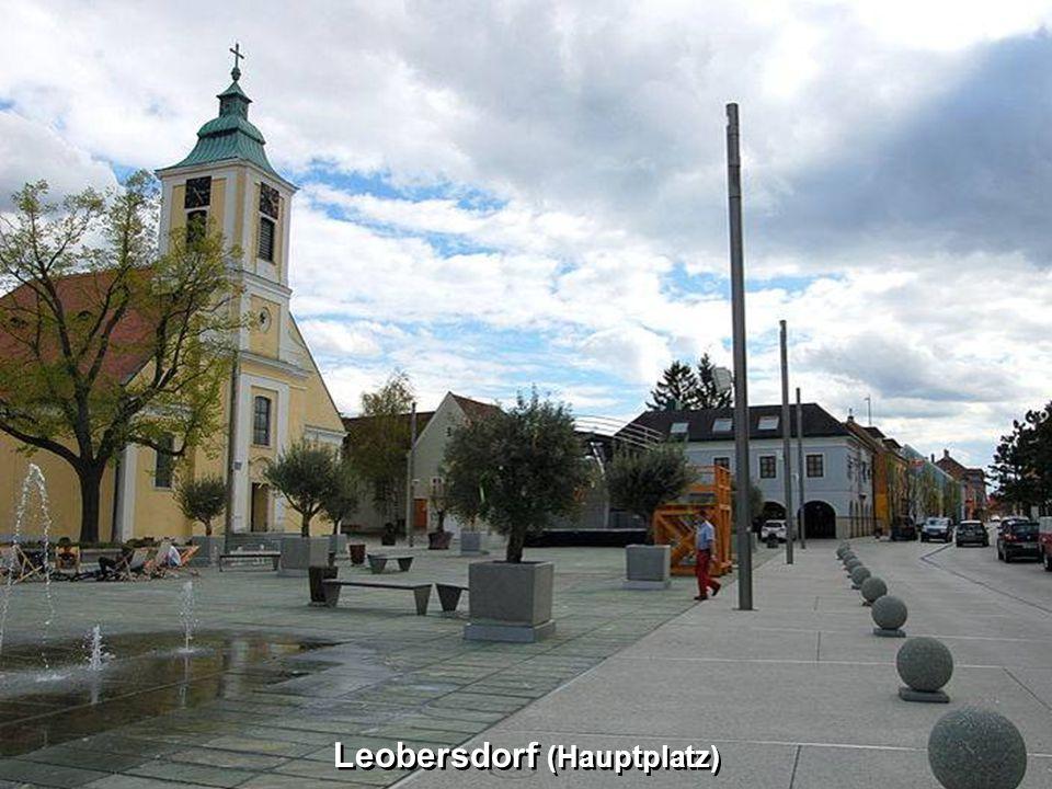 Leobersdorf (Hauptplatz)