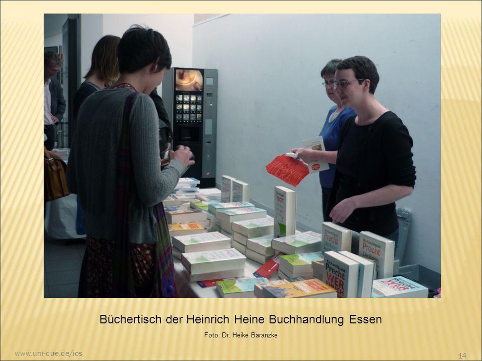 Büchertisch der Heinrich Heine Buchhandlung Essen