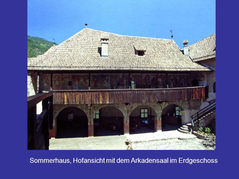 Sommerhaus, Hofansicht mit dem Arkadensaal im Erdgeschoss