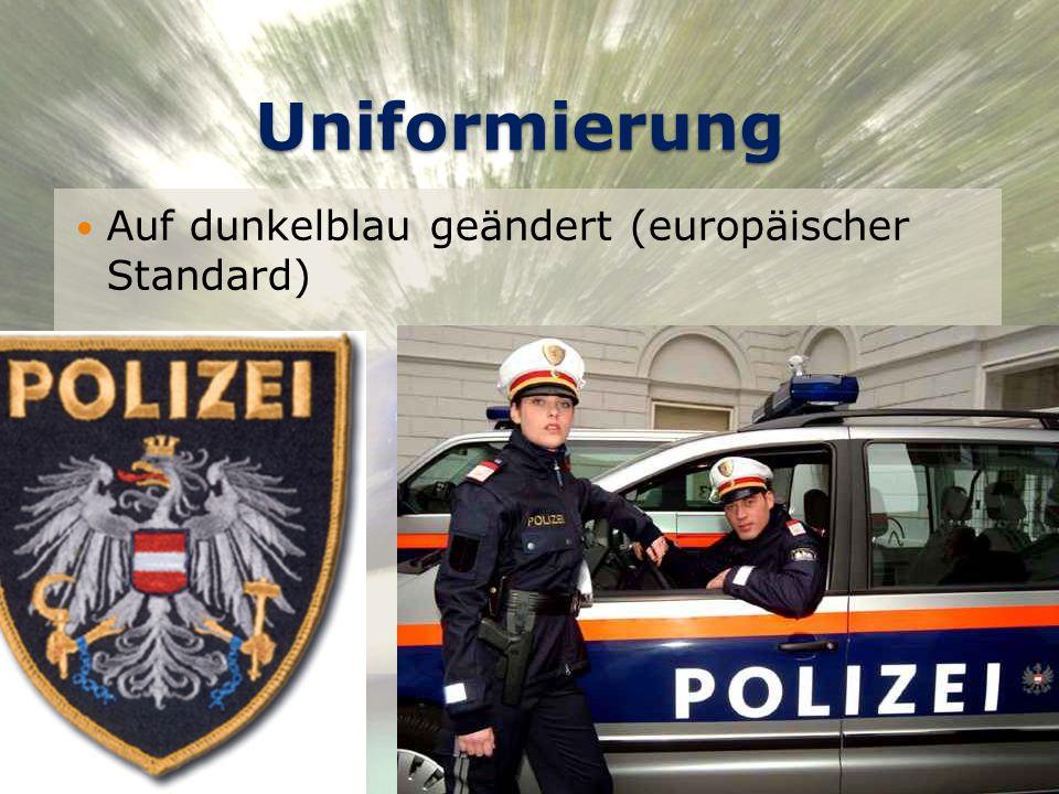 Uniformierung Auf dunkelblau geändert (europäischer Standard)